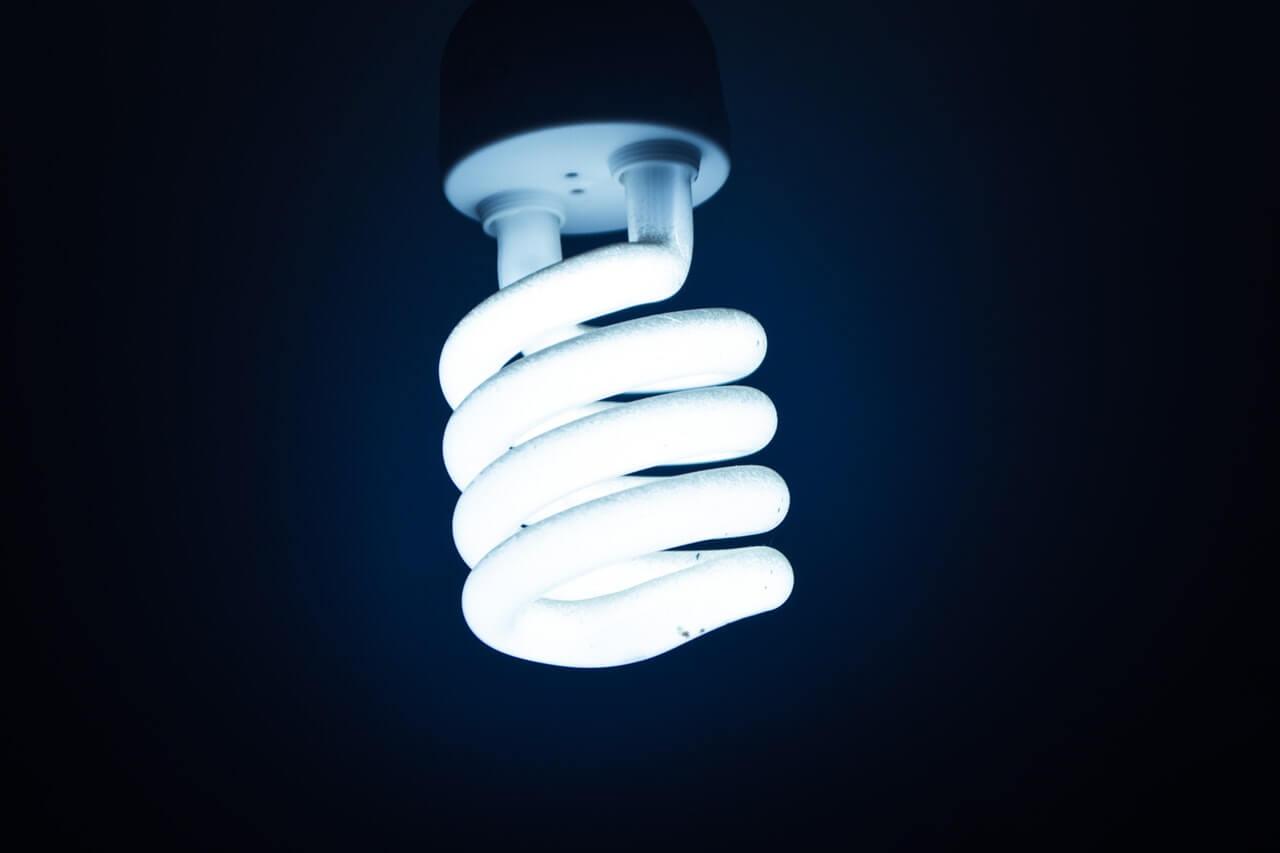 Czy warto kupić żarówkę LED? Zastosowanie i zalety żarówek LED